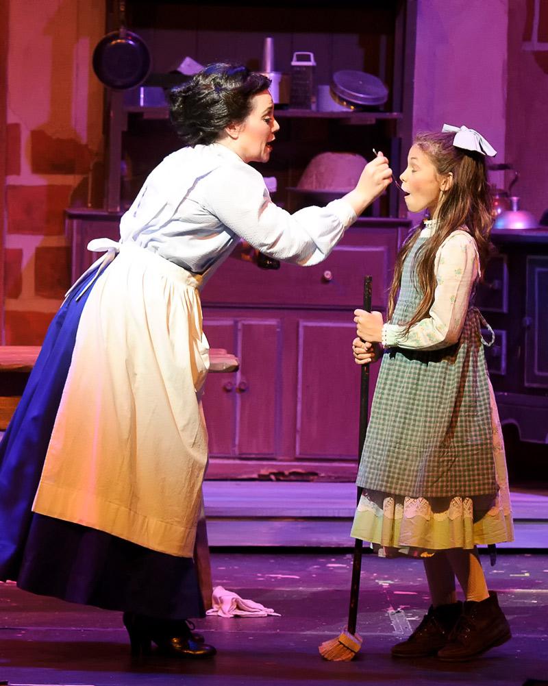 Sara Swafford as Jane Banks, Nicole Hackmann as Mary Poppins (photo: Walt A. Riches / CCP)