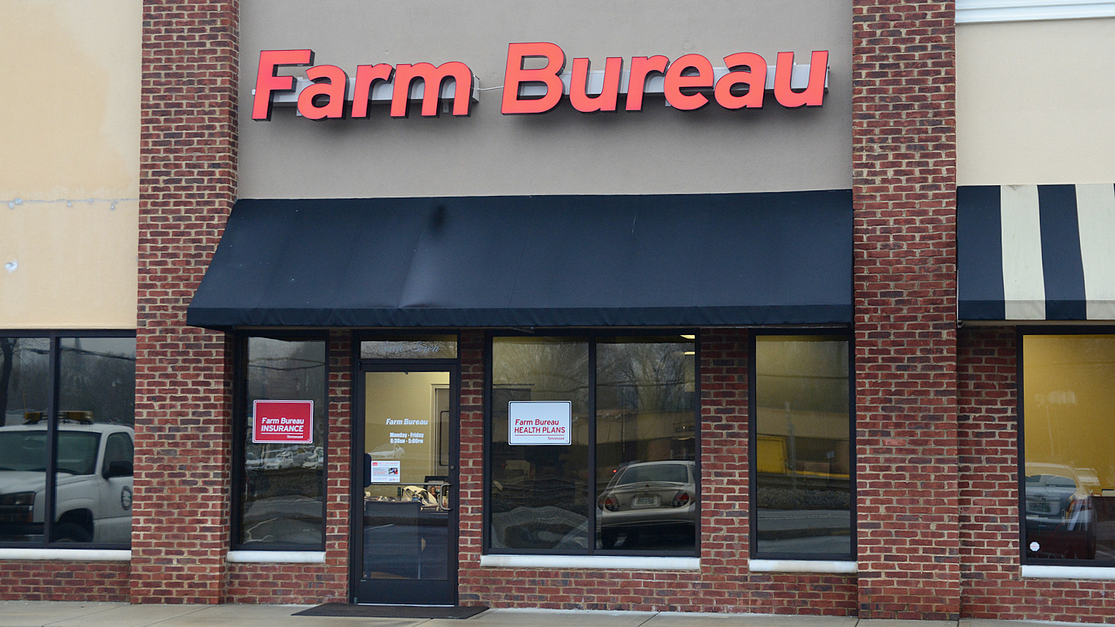 Jeromy hixson opens farm bureau office in spring city
