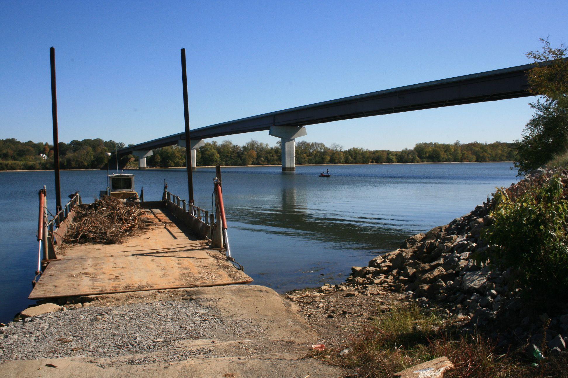 New Bridge across Tennessee River
