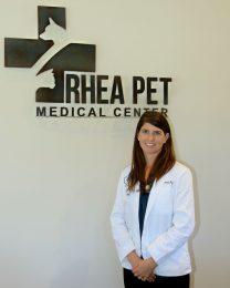Dr. Amanda Roddy opens Rhea Pet Medical Center. (Photo by Dean Wilson)