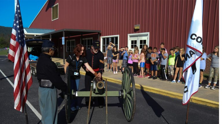 Graysville 5th Graders learn about the Civil War