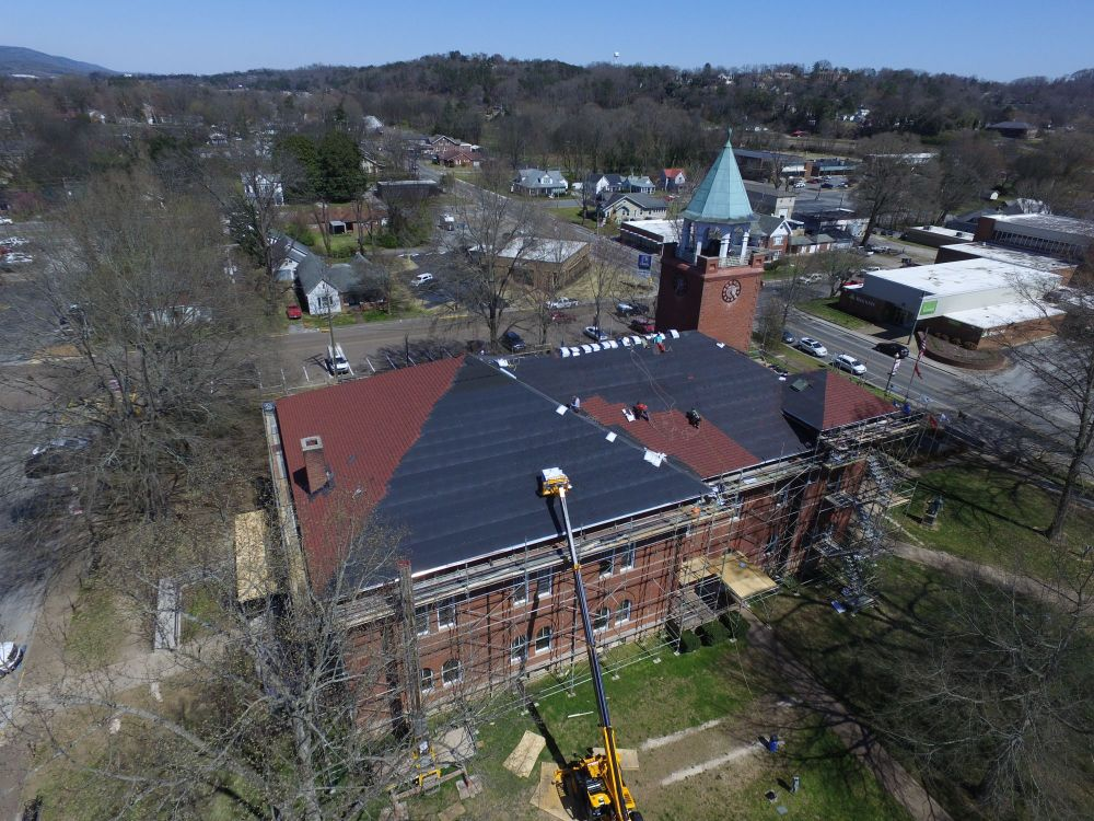 Historic Rhea Courthouse Gets New Roof